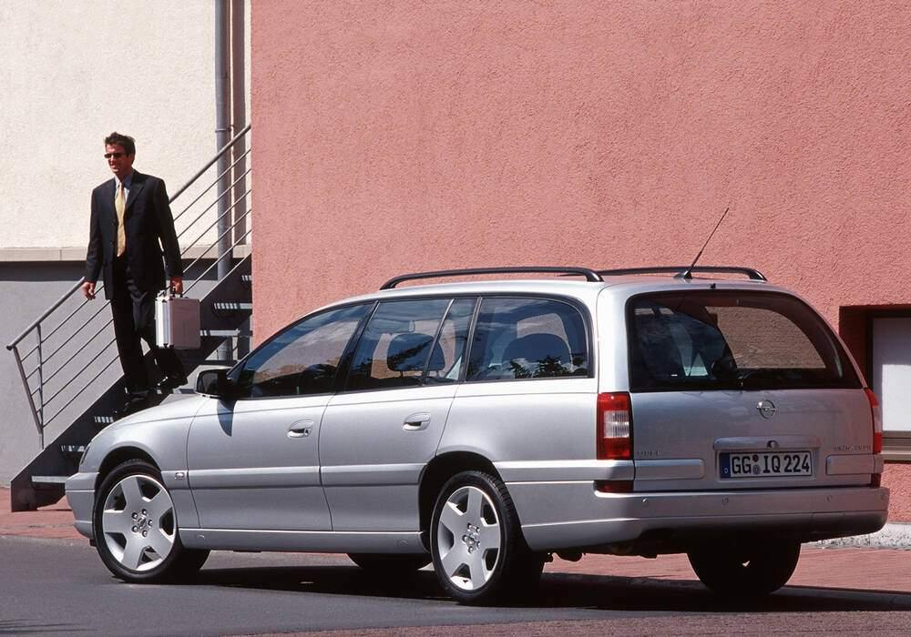 Fiche technique Opel Omega II Caravan 2.5 DTI 150 (B) (2001-2003)