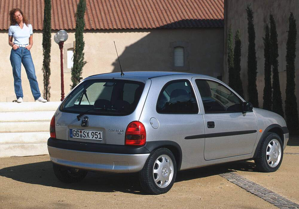 Fiche technique Opel Corsa II 1.2 16v (1998-2001)
