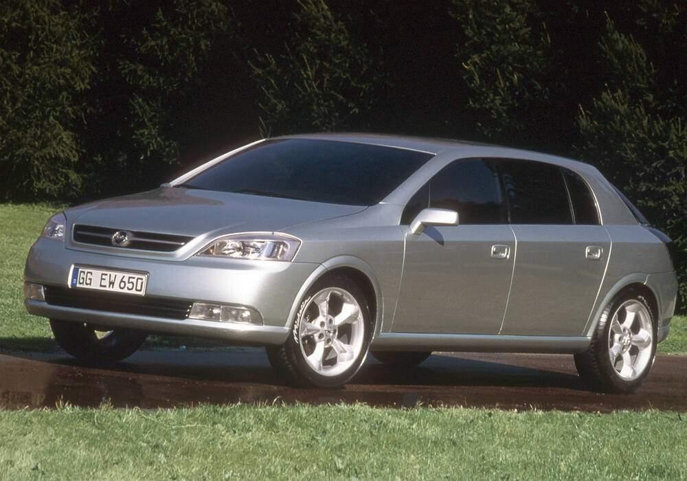 Fiche technique Opel Signum Concept (1997)