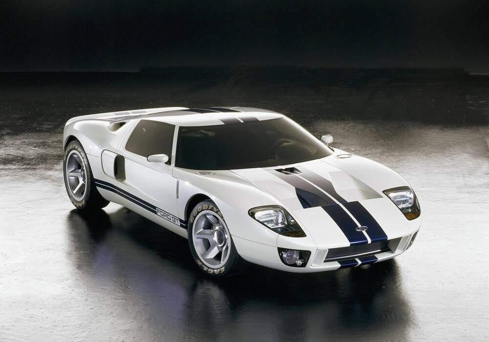 Fiche technique Ford GT40 Concept (2002)