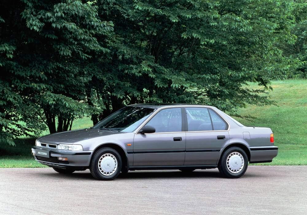 Fiche technique Honda Accord IV 2.0 150 (1989-1992)