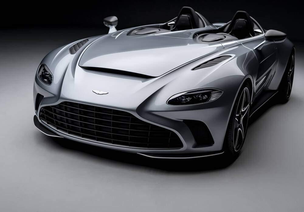 Fiche technique Aston Martin V12 Speedster (2020)
