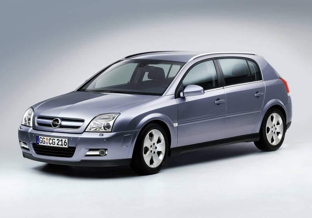 Fiche technique Opel Signum 3.2 V6 (2003-2005)