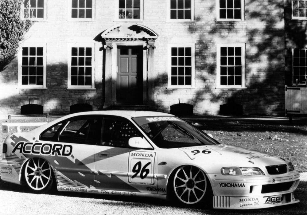 Fiche technique Honda Accord Super Touring BTCC (1996-1998)