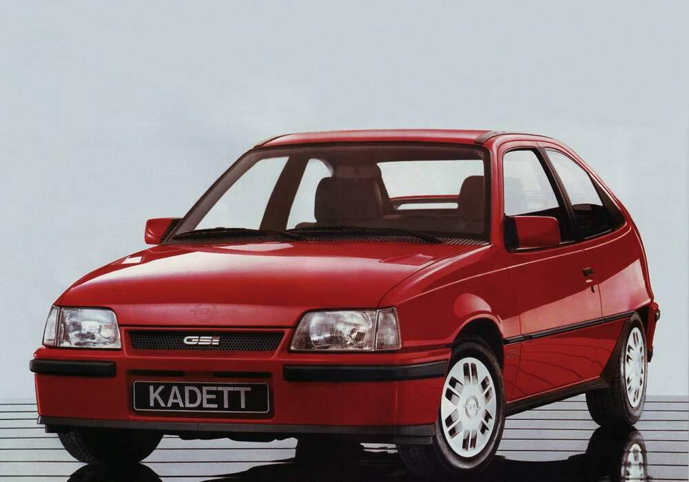 Fiche technique Opel Kadett V 1.8 GSi (1986-1987)