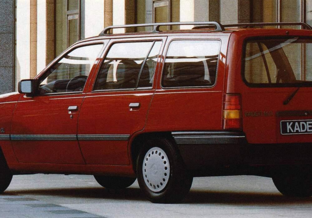Fiche technique Opel Kadett V Caravan 1.6D (E) (1984-1990)