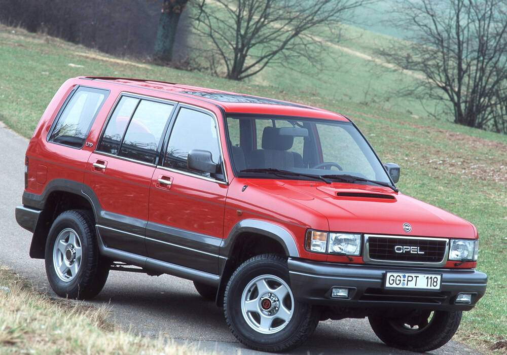Fiche technique Opel Monterey 3.1 TDI 115 (1992-1998)