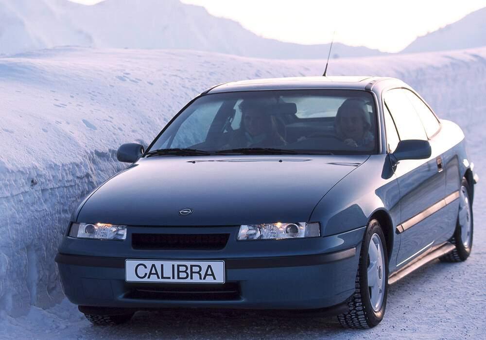 Fiche technique Opel Calibra 2.0i (1990-1994)