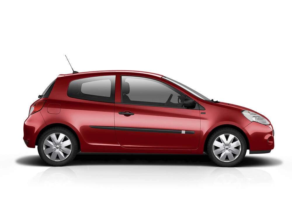 Fiche technique Renault Clio III 1.2 16v 75 « Yahoo! » (2011-2012)