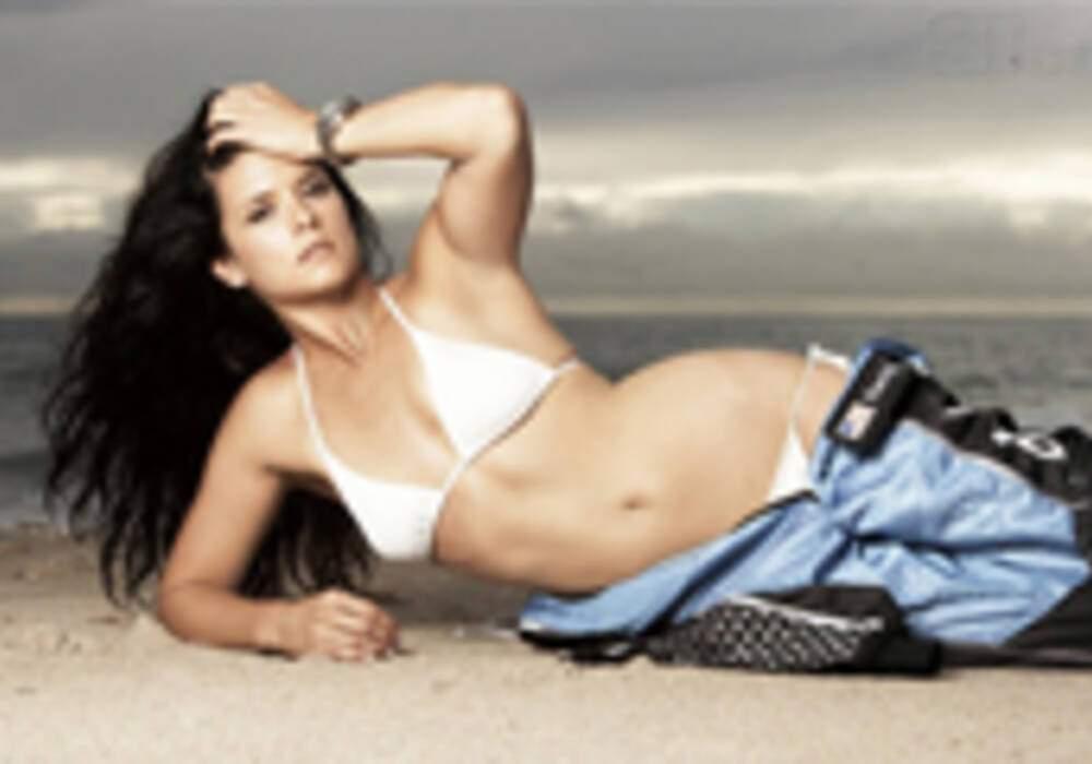 Danica Patrick en pleine séance photos pour le magazine Sports Illustrated