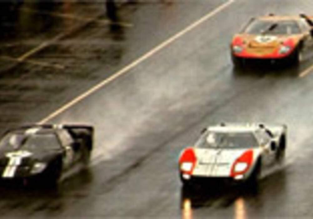 Répliques de GT40 mkII 1966 par Shelby Distribution