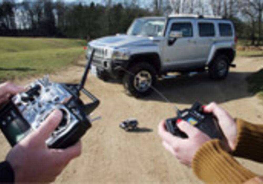 Un Hummer H3 radio-commandé