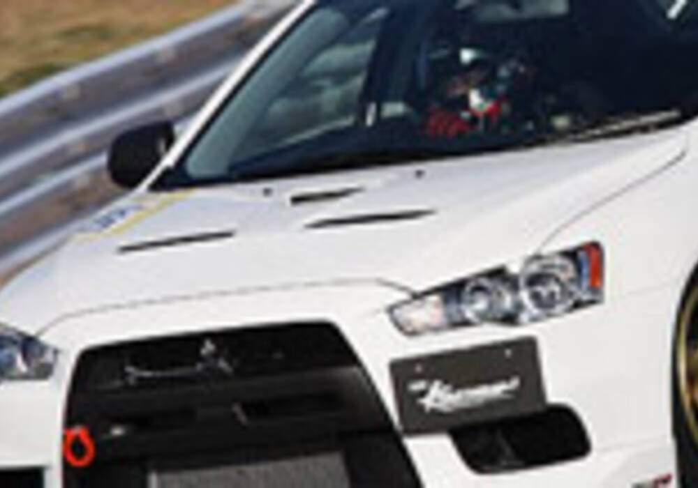 Mitsubishi Lancer Evolution X par HKS