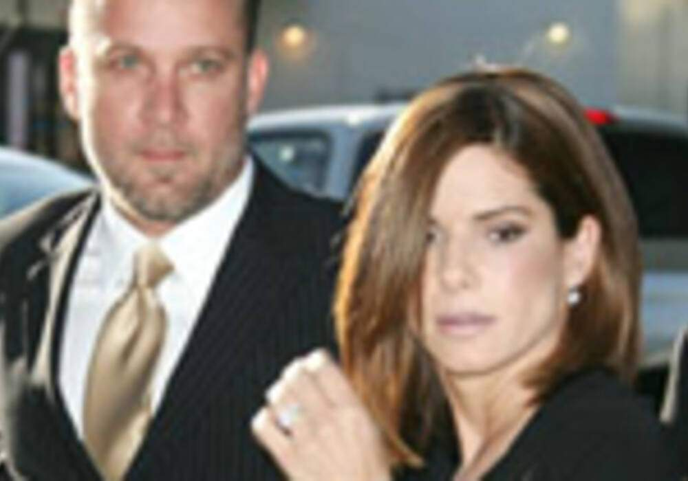 Sandra Bullock et Jesse James percutés par une conductrice ivre