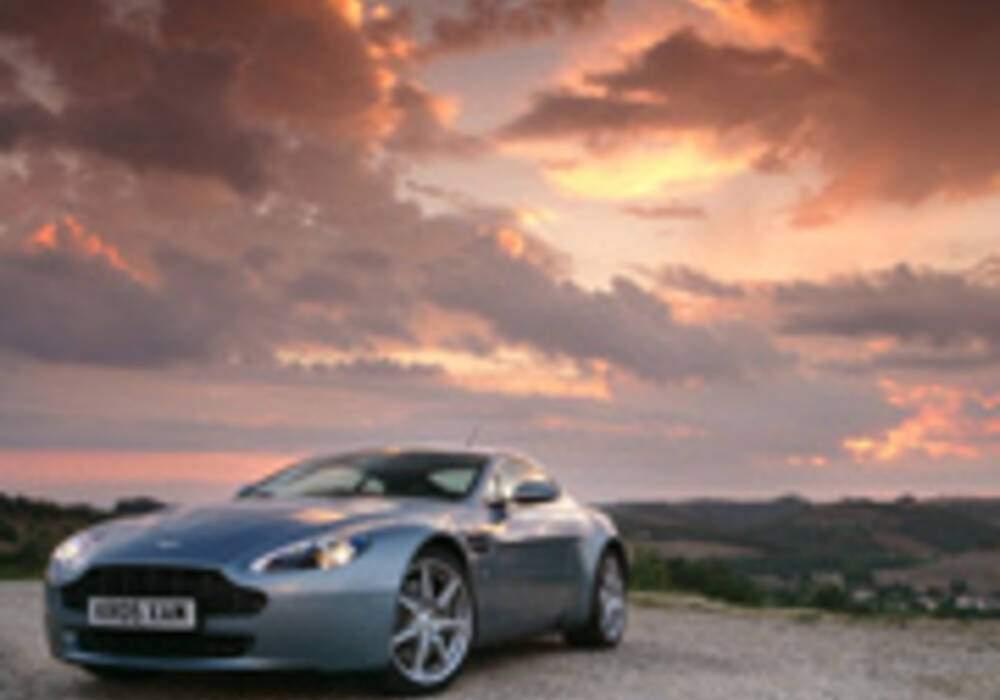 Restylage en 2009 des Aston Martin V8 Vantage et DB9