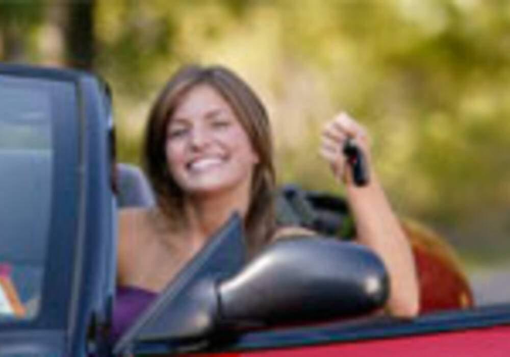 Une assurance auto qui avantage les femmes