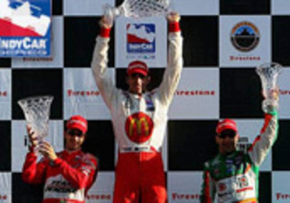 Indycar: Justin Wilson vainqueur à Détroit, Castroneves volé?