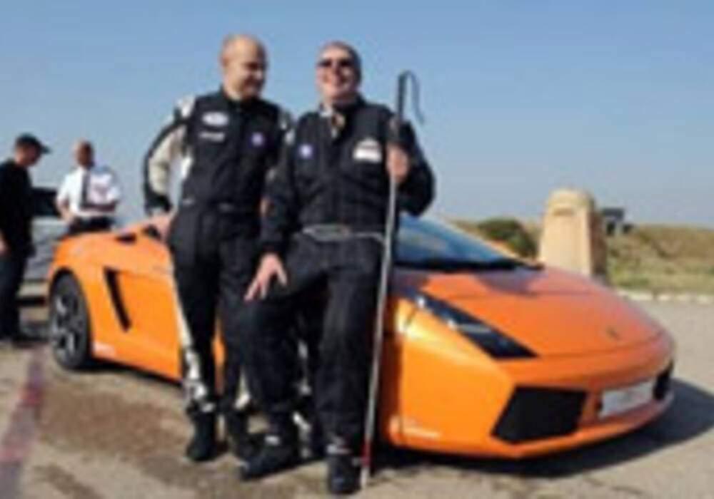 Un pilote aveugle bat le record de vitesse en Lamborghini Gallardo