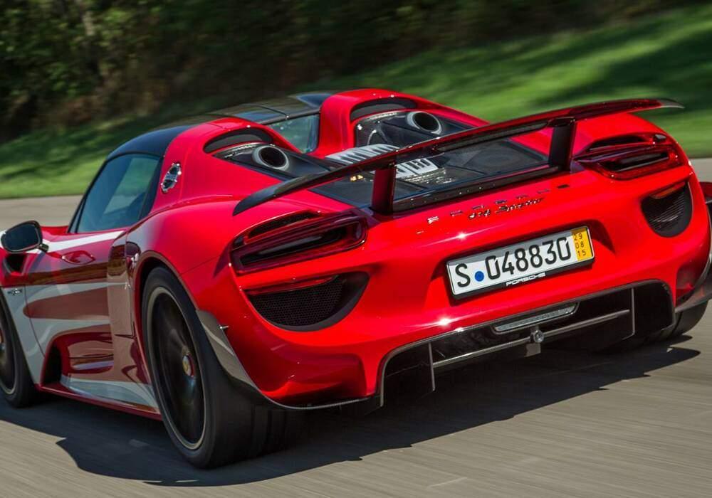 Mark Webber s'offre une Porsche 918 Spyder
