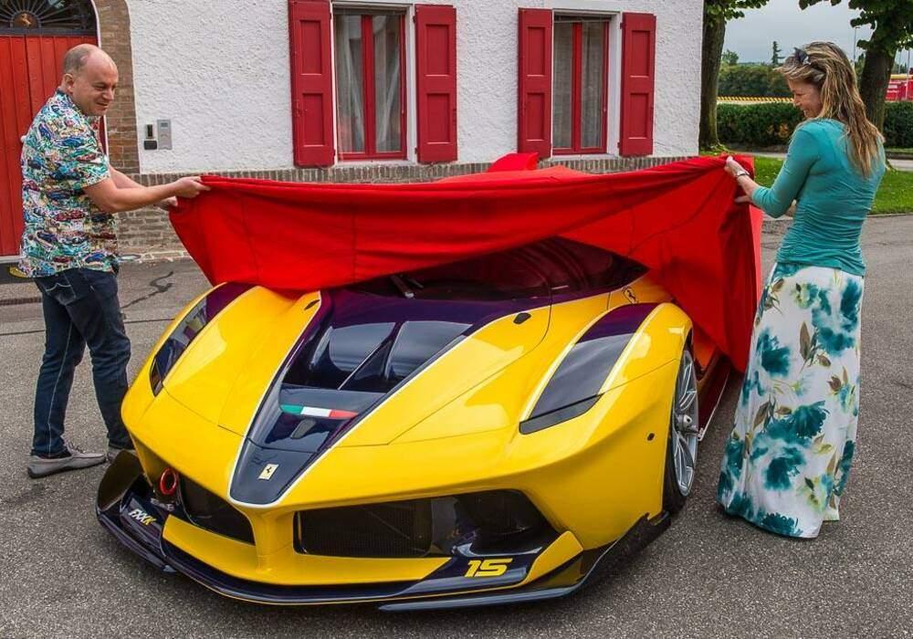 Un dirigeant de Google offre une Ferrari FXX K à sa femme