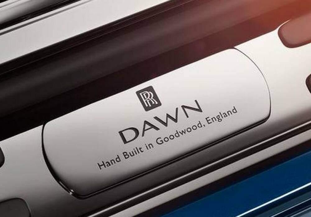 Triple teaser pour la Rolls-Royce Dawn