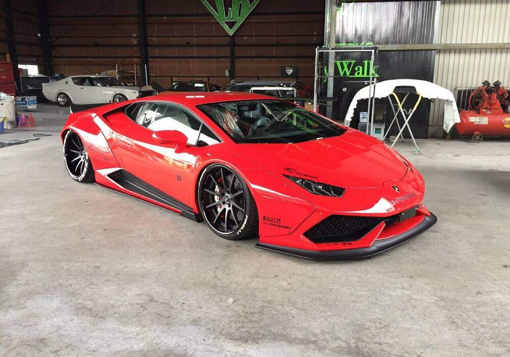 Liberty Walk termine sa première Lamborghini Huracan