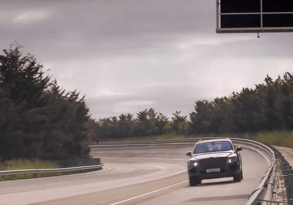 Bentley Bentayga, 301 km/h