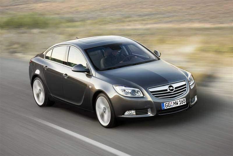Opel Insignia 2.0 Turbo 220 (2008-2013),  ajouté par fox58