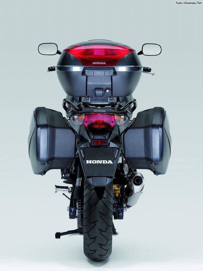 Honda CBF 600 S (2008),  ajouté par choupette53