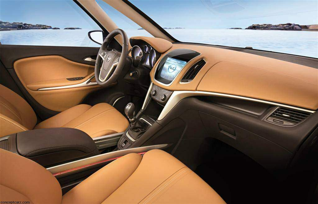Opel Zafira Tourer Concept (2011),  ajouté par fox58