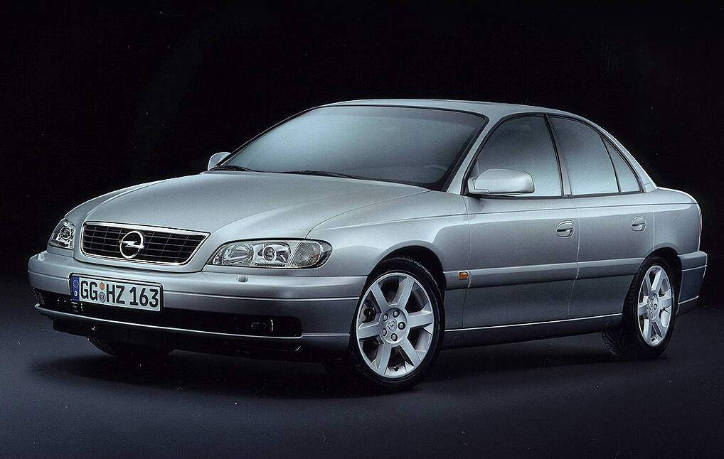 Opel Omega II 2.2 16v (B) (2001-2003),  ajouté par fox58