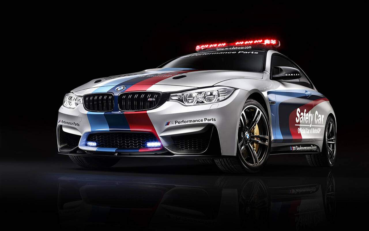 fiche technique bmw m4 coup f82 motogp safety car 2014 2015. Black Bedroom Furniture Sets. Home Design Ideas