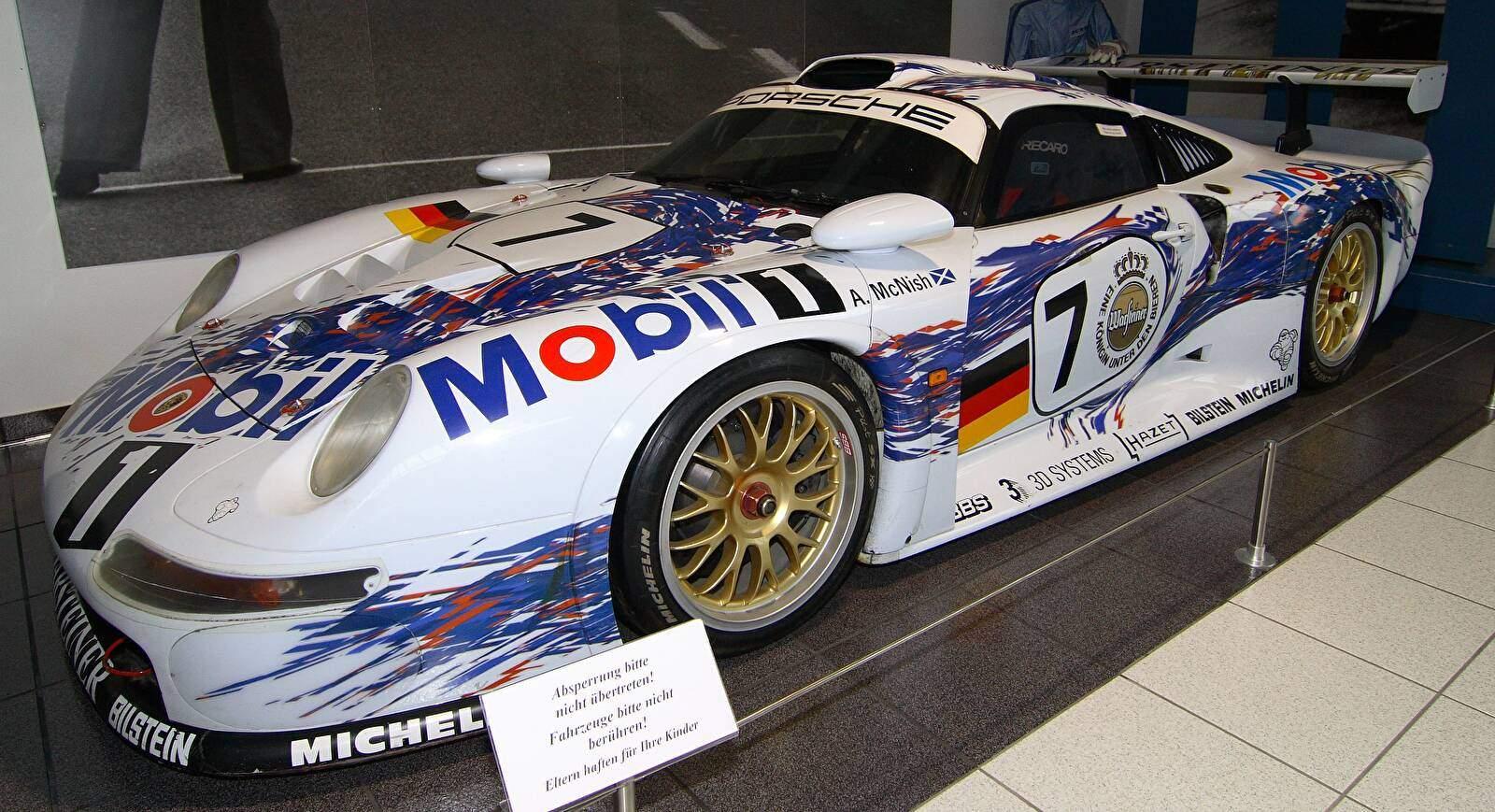 Porsche_911_GT1_1996_1998-8371.jpg