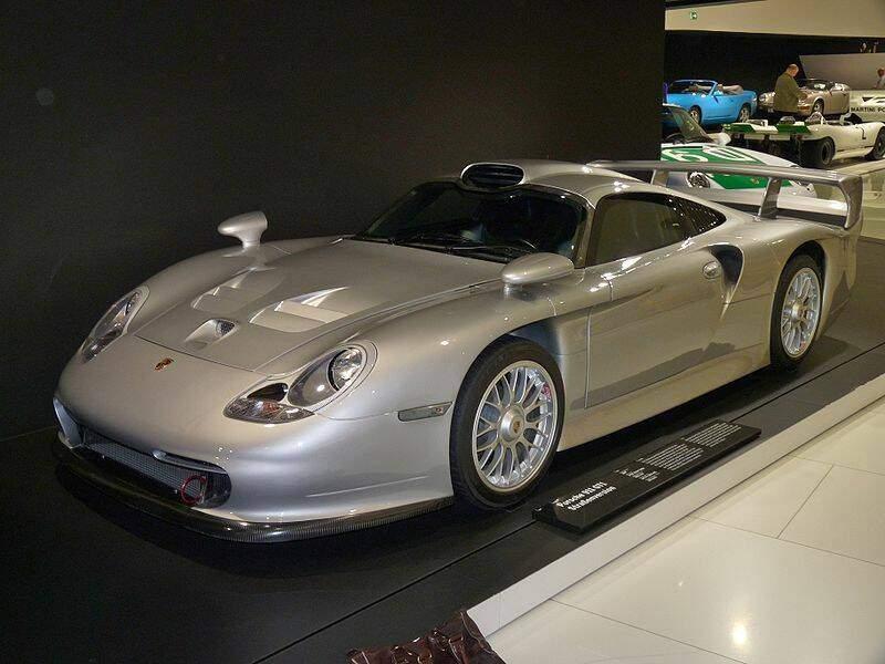 Porsche_911_GT1_Straszenversion_1996_1998-7384.jpg