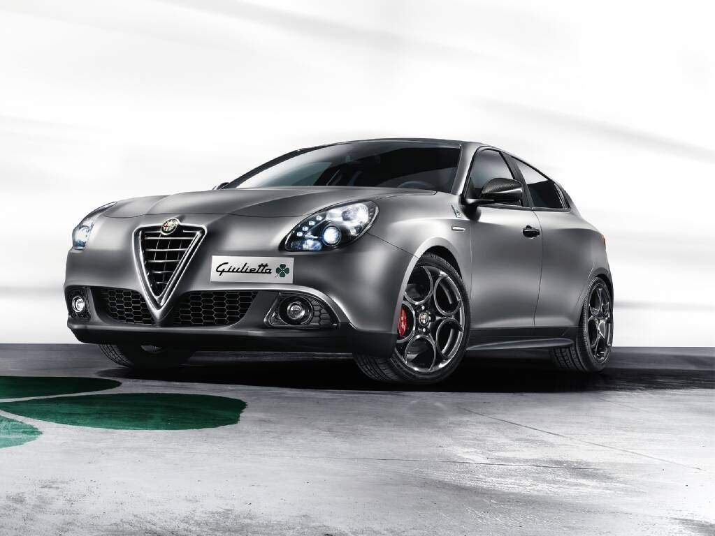 fiche technique alfa romeo giulietta iii 1750 tbi quadrifoglio verde squadra corse 2015. Black Bedroom Furniture Sets. Home Design Ideas
