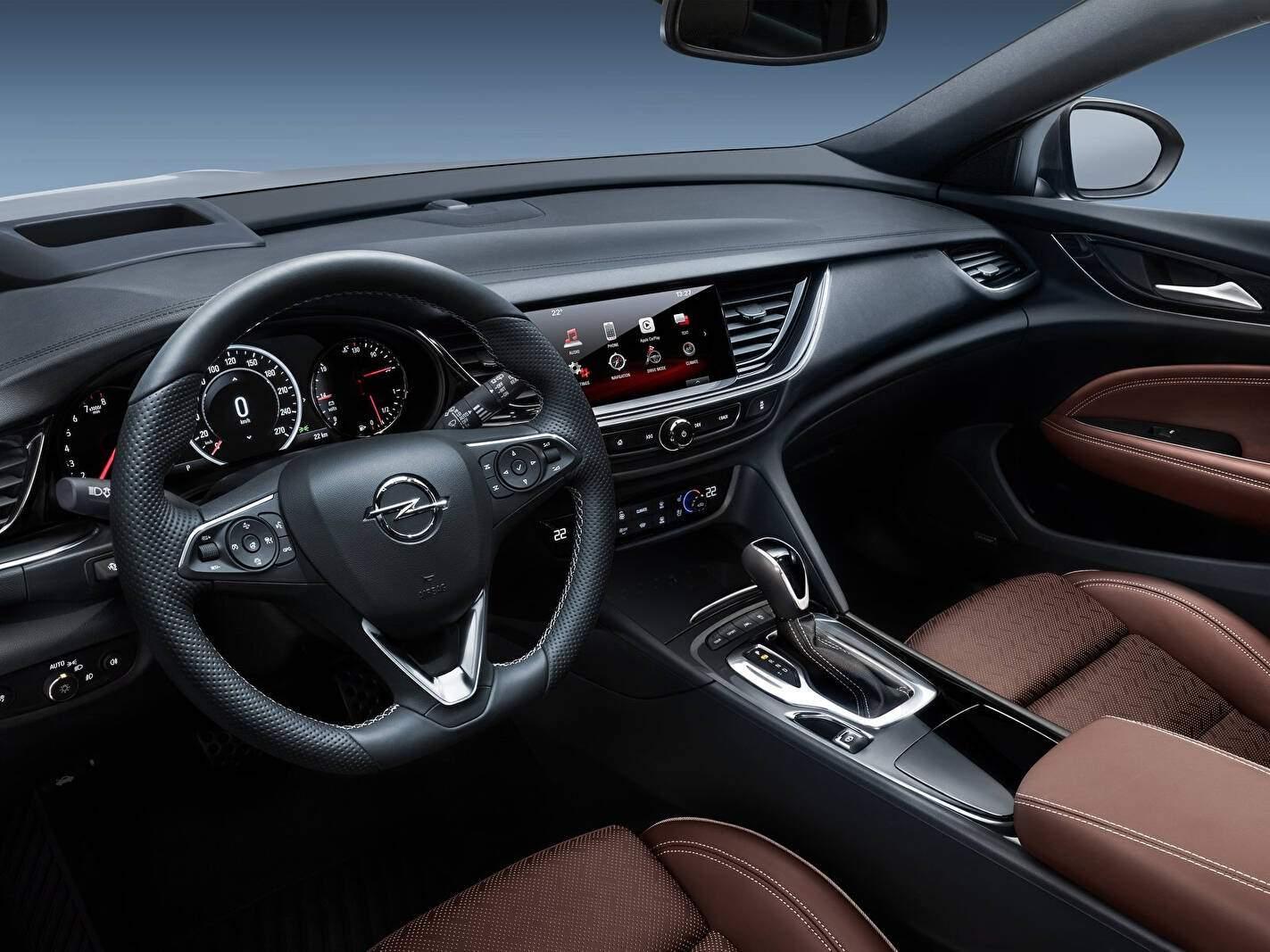 Opel Insignia II Country Tourer 2.0 Turbo D 170 (B) (2017),  ajouté par fox58