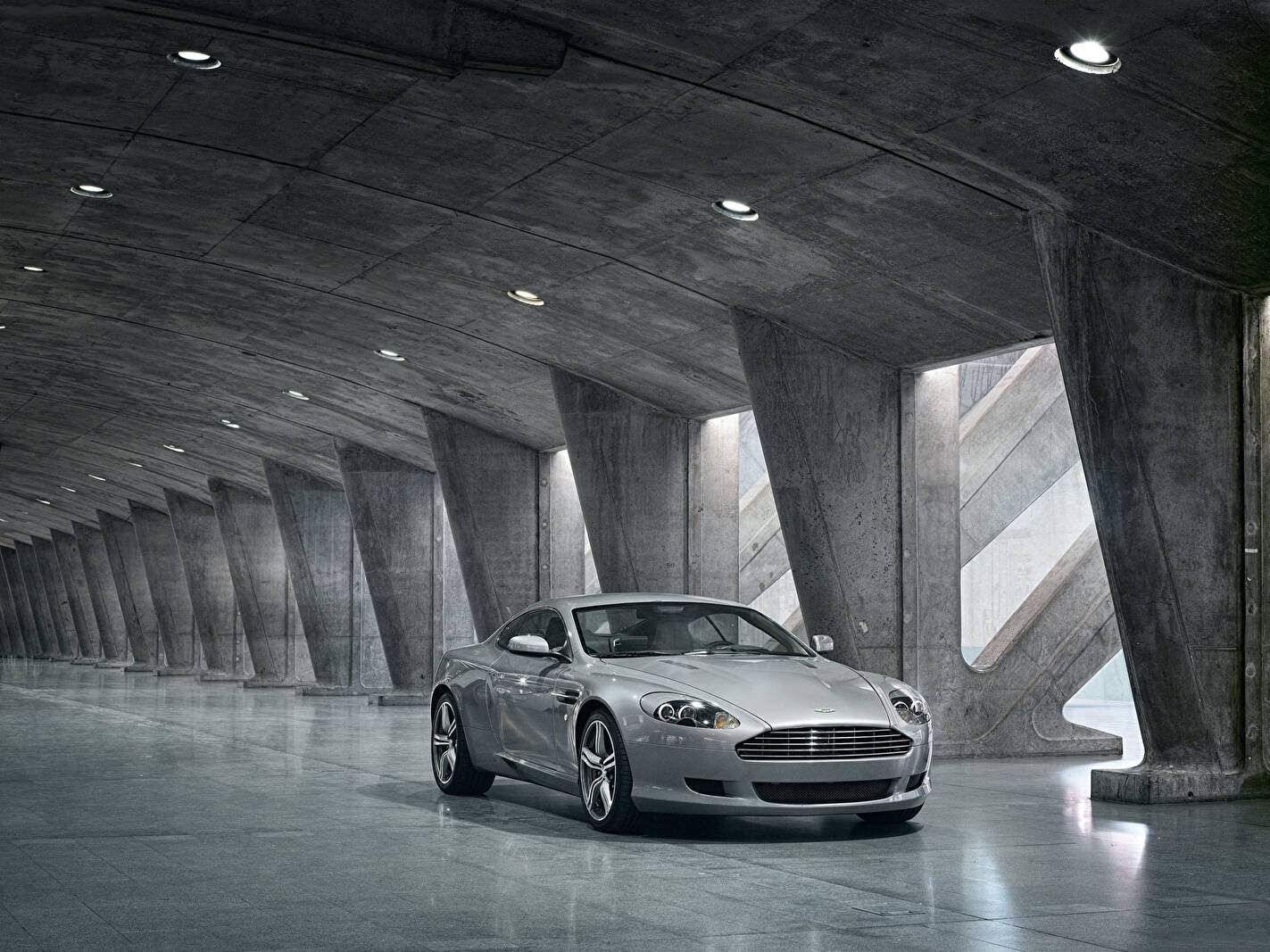 Aston Martin DB9 (2008-2012),  ajouté par fox58