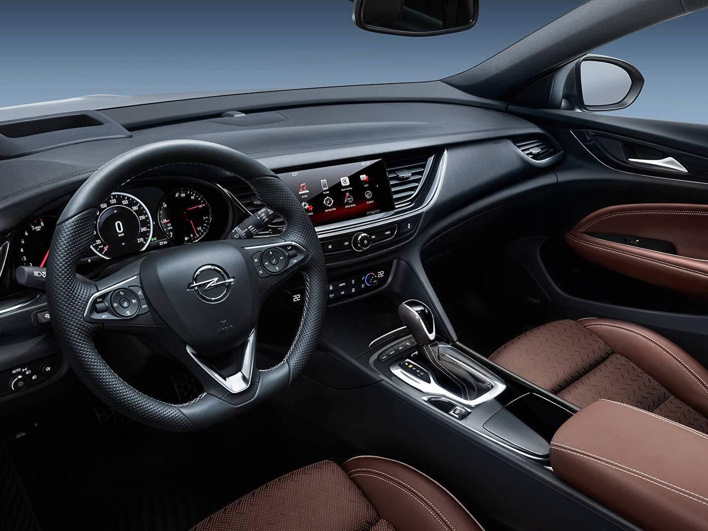 Opel Insignia II Sports Tourer 2.0 Turbo 260 (B) (2017-2018),  ajouté par fox58