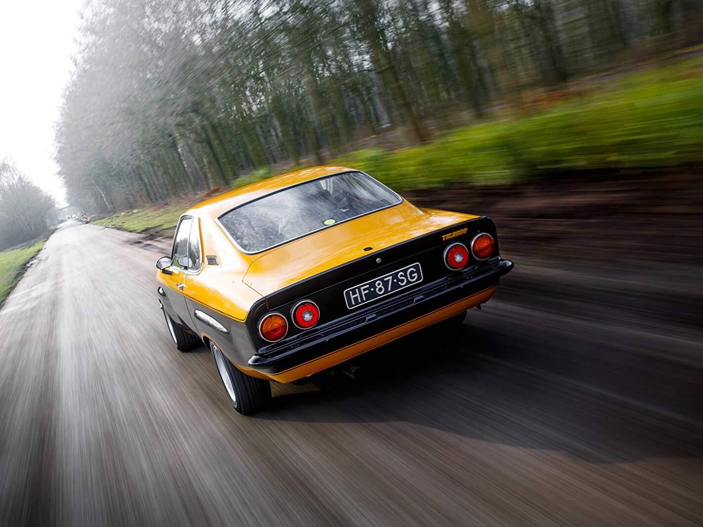 Opel Manta 2.8 TE (A) (1974-1975),  ajouté par fox58