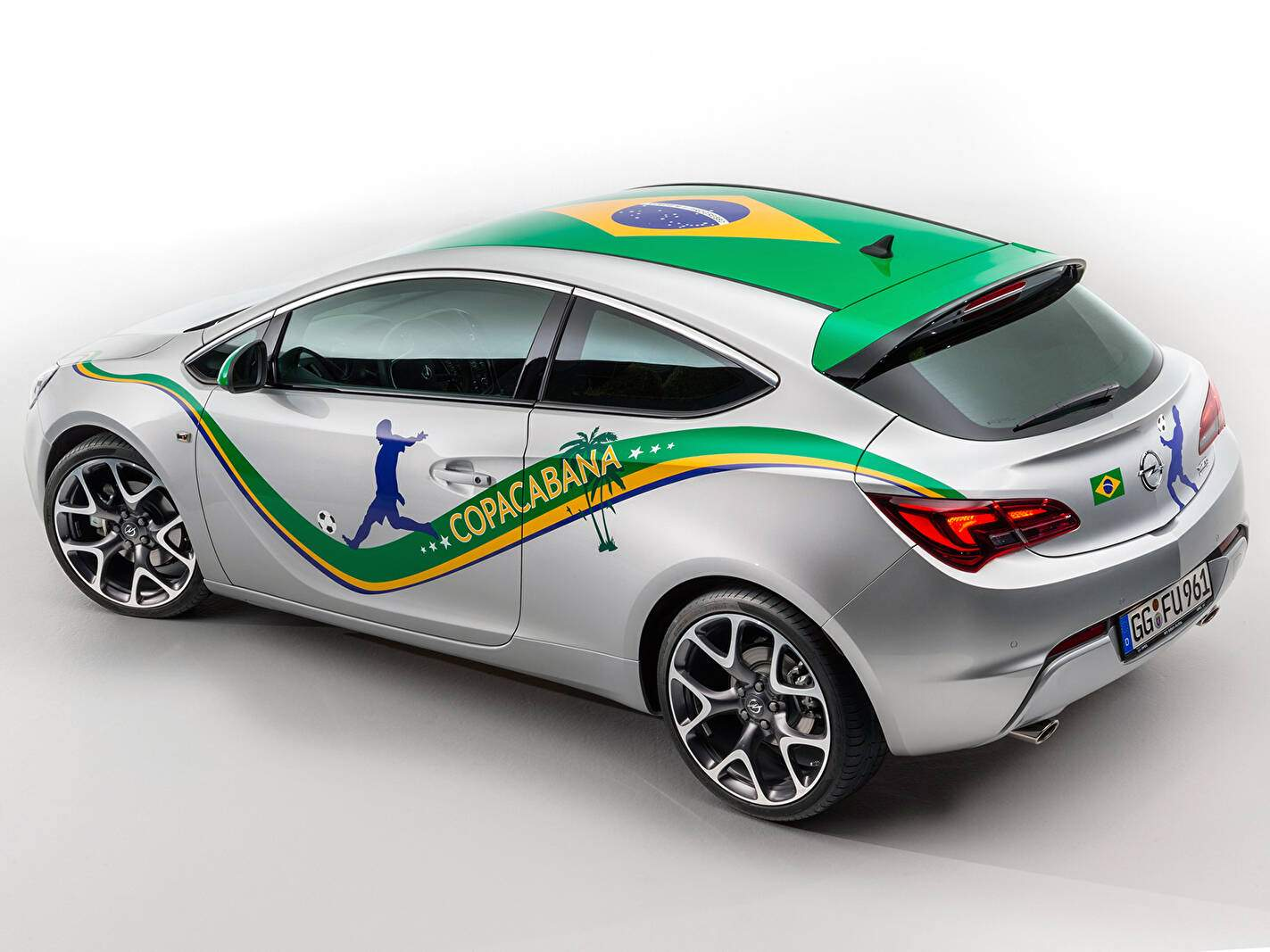 "Opel Astra GTC ""Copacabana"" (2014),  ajouté par fox58"