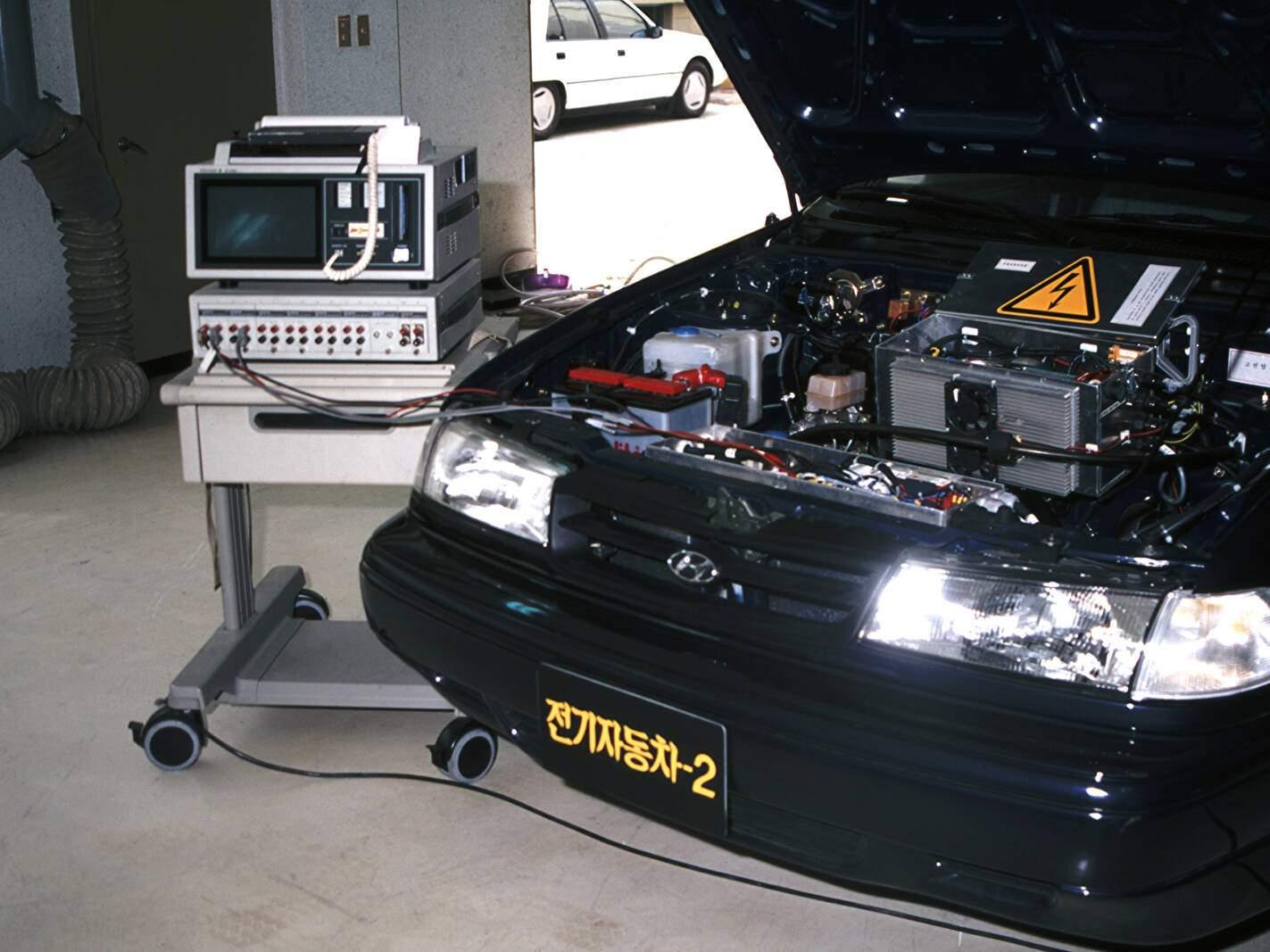 Hyundai Excel Sedan EV2 Concept (1992),  ajouté par fox58