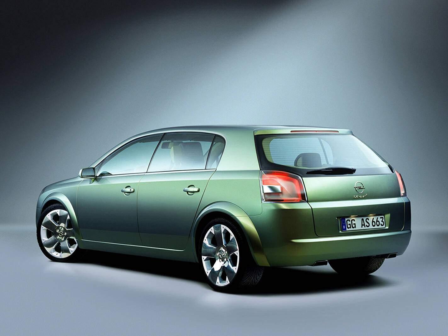 Opel Signum 2 Concept (2001),  ajouté par fox58